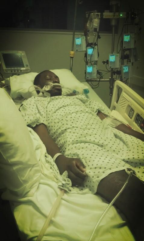 Green na szpitalnym łóżku tuż po operacji